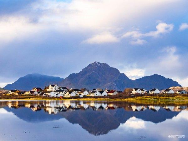 Lake Haldsvagen and Mountains - Lofoten, Norway.jpg