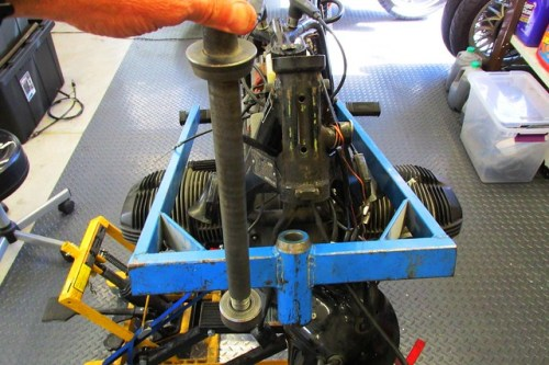 Frame Jig Orientation & Steering Stem Bar With Round Nut at Bottom