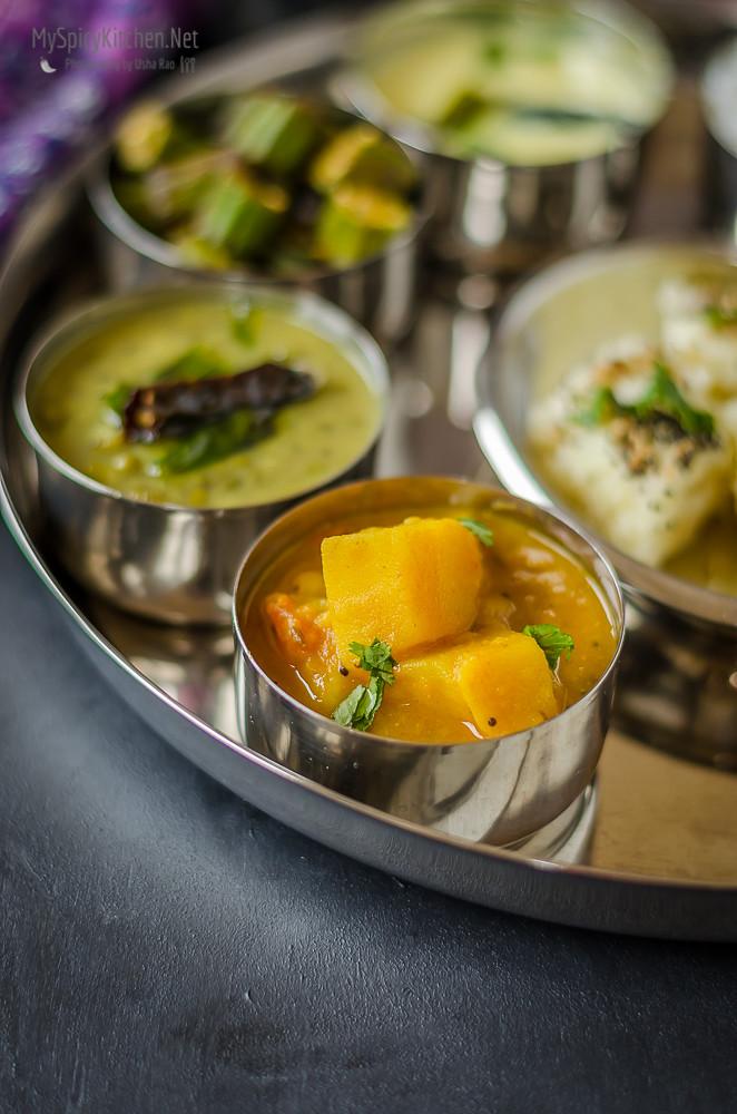 Gujarati curry, Tametu Batata nu Shaak, Indian curry, potato tomato curry, Gujarati Food,