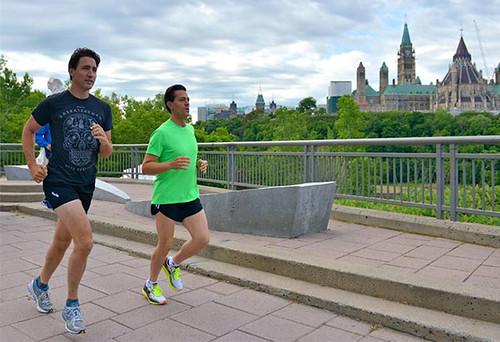 Trudeau y Peña Nieto corriendo