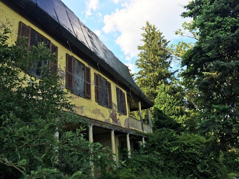 richard-ashbridge-mansion-exton-window-porch