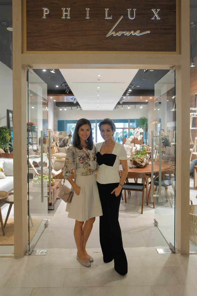 Jessica Kienle Maxwell and Stephanie Kienle Gonzalez