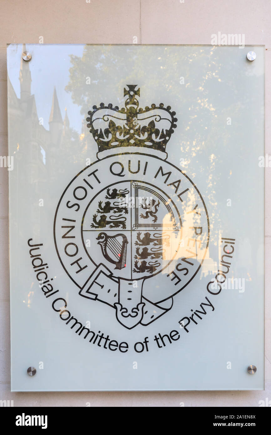 Honni Soit Qui Mal Y Pense : honni, pense, Exterior, United, Kingdom, Supreme, Court,, 'Honi, Pense', Emblem,, London, Stock, Photo, Alamy