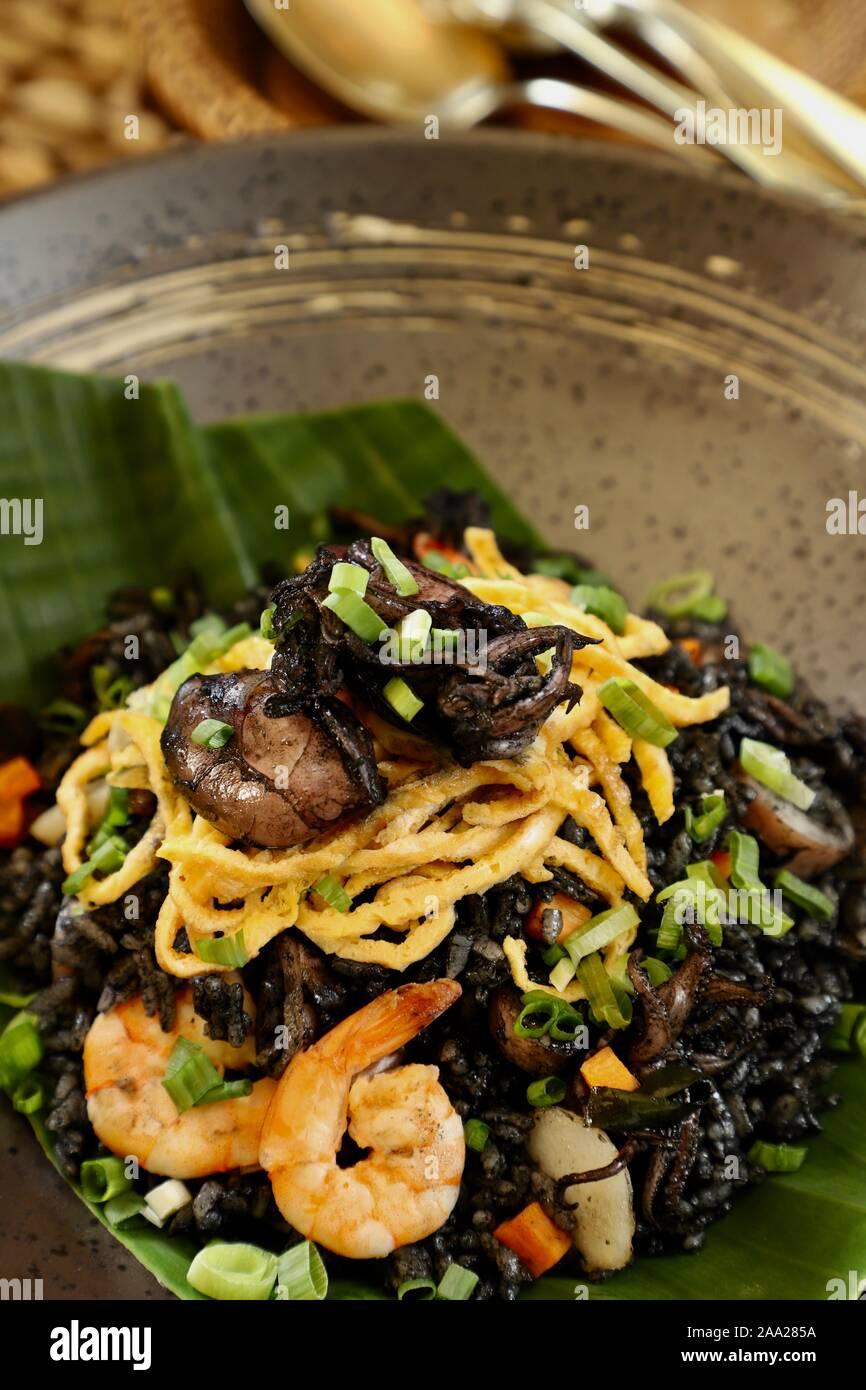 Masak Cumi Hitam : masak, hitam, Goreng, Hitam., Indonesian, Stir-fried, Braised, Squid, Stock, Photo, Alamy
