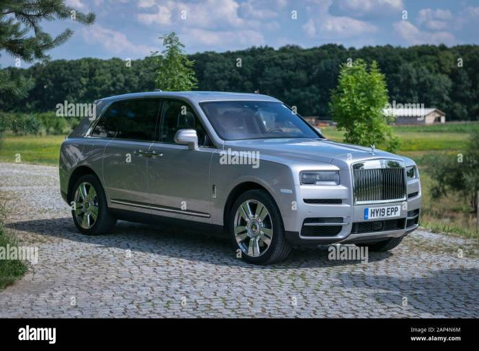 2020 Rolls Royce Cullinan Front 3 4 View Stock Photo Alamy