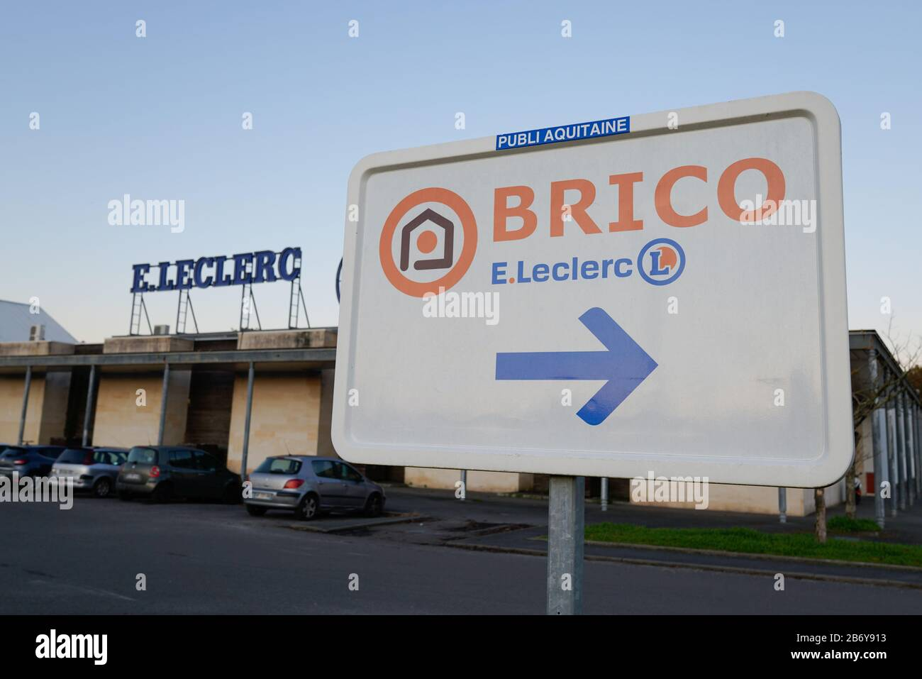https www alamy com bordeaux aquitaine france 12 03 2019 bricoleclerc logo sign store brand of general commercial french eleclerc image348495087 html