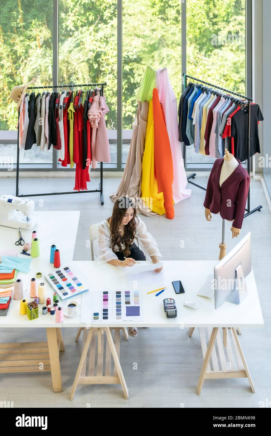 Can A Fashion Designer Work From Home