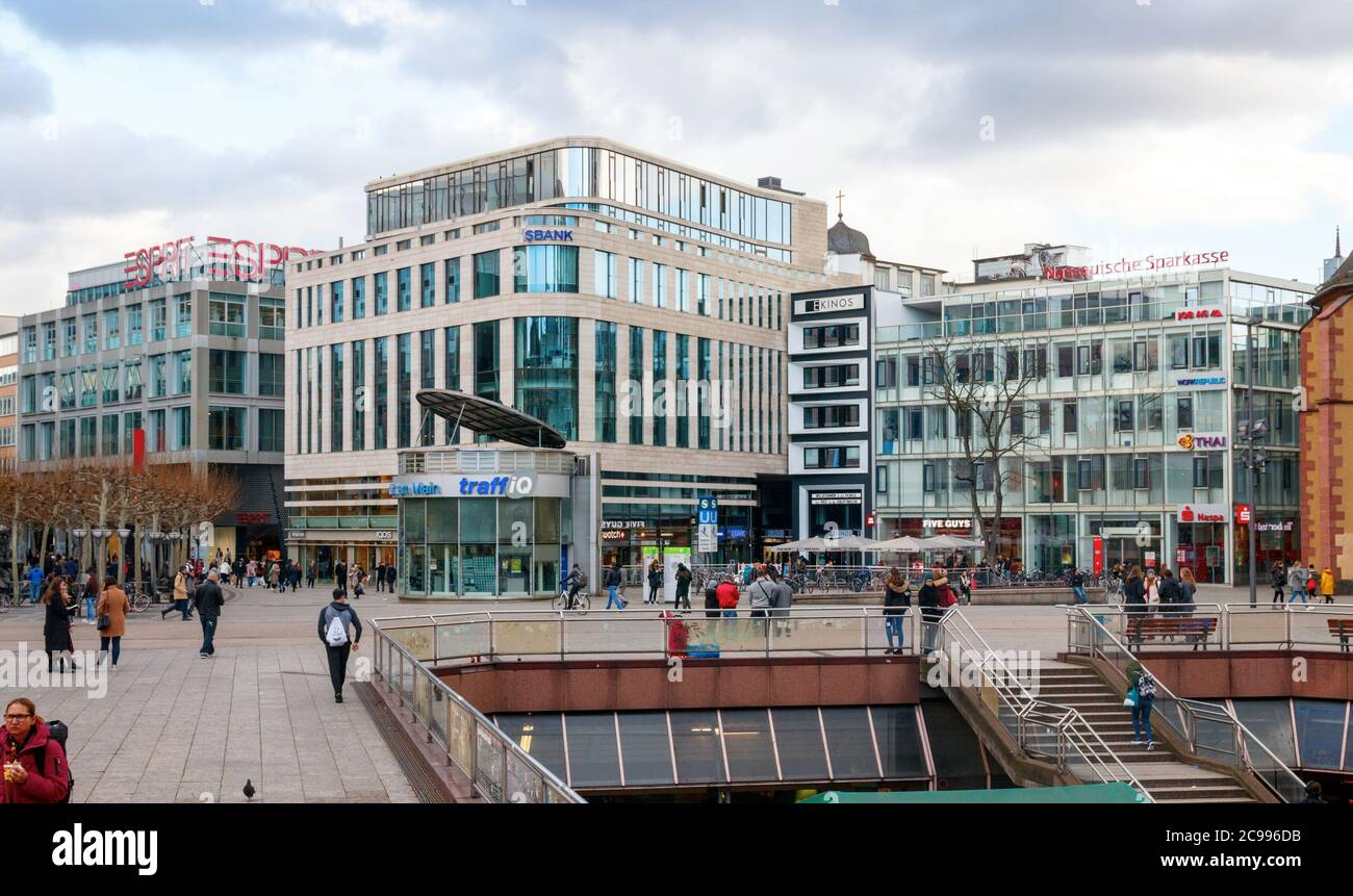 Outdoor Geschäft Frankfurt Zeil Street High Resolution Stock Photography And Images - Alamy