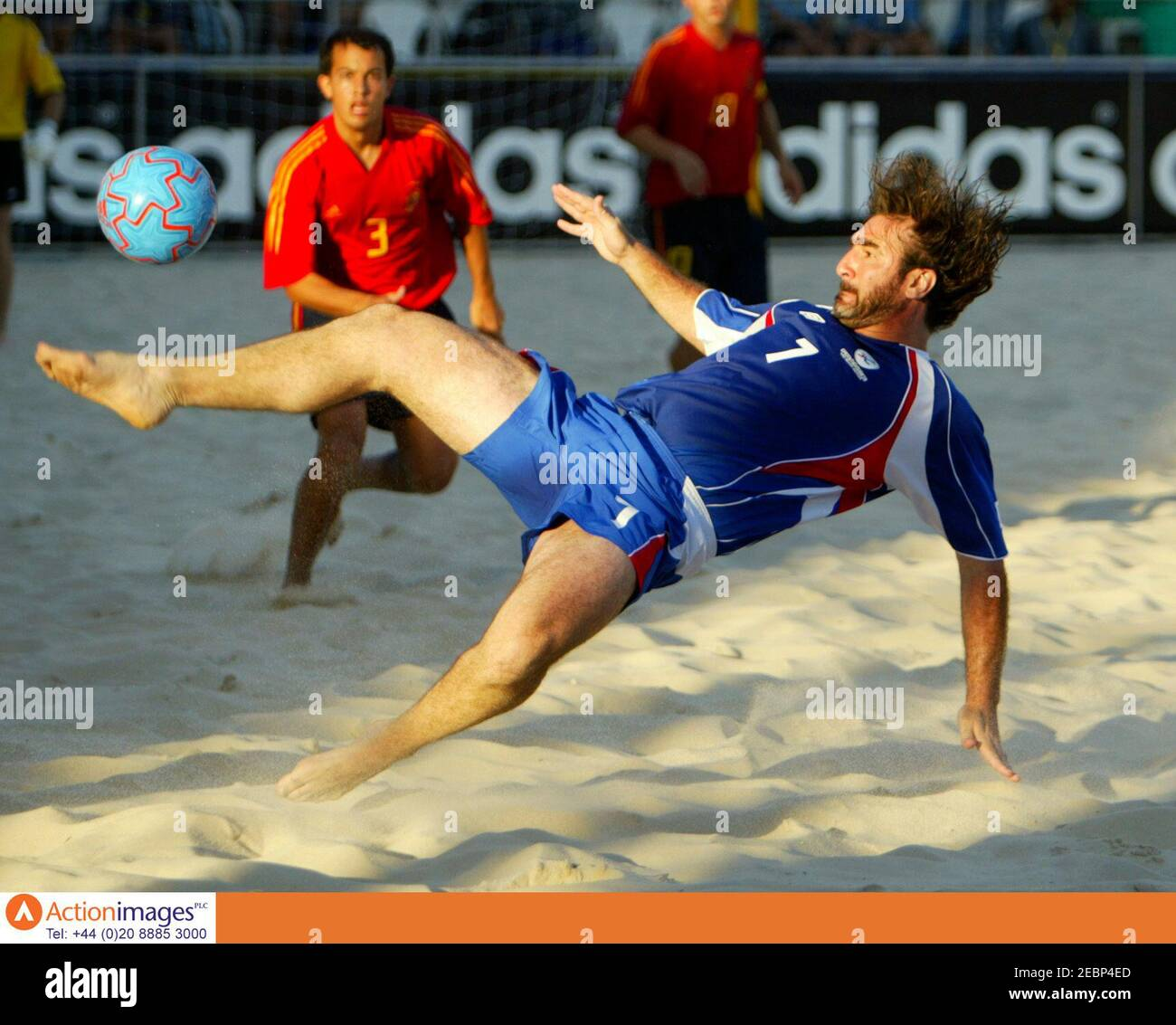 Did you know the french superstar played in the 2005 #beachsoccerwc? Beach Football Cantona High Resolution Stock Photography And Images Alamy