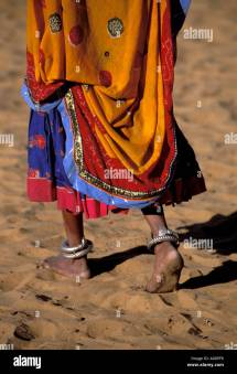 Marwari Women Walking Barefoot Nomadic People Of