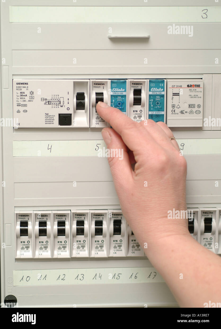 medium resolution of fuse box protection switch off