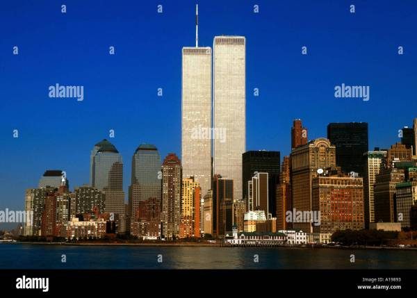 Manhattan Skyline And Twin Towers York City Usa Newton Stock 104595 - Alamy