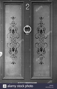 Etched glass on front door of Victorian terraced house ...