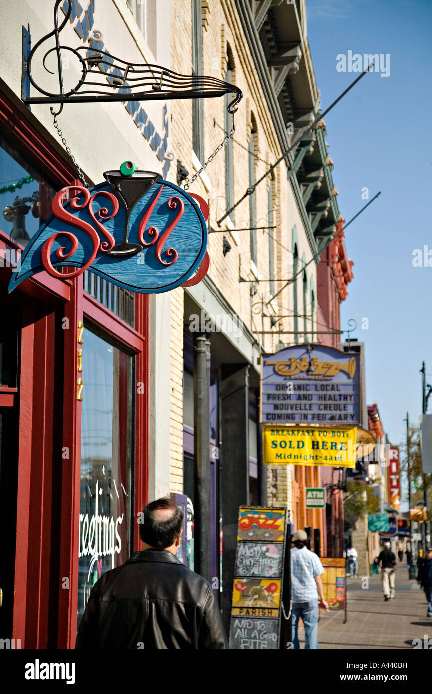 Austin Street Stores : austin, street, stores, TEXAS, Austin, Sidewalk, Sixth, Street, People, Walking, Stores, Stock, Photo, Alamy