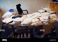 messy desk at office Stock Photo: 6346583 - Alamy