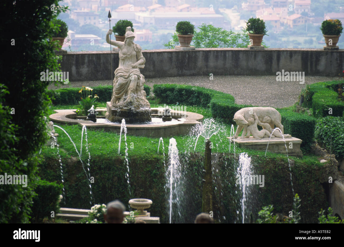 Water Falling Live Wallpaper Download Water Fountains In The Gardens Of Villa D Este Tivoli