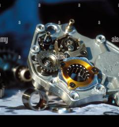 motorcycle racing gearbox [ 1300 x 955 Pixel ]
