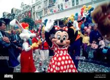 """France Disneyland Paris Theme Park """"main St Usa"""" Parade"""