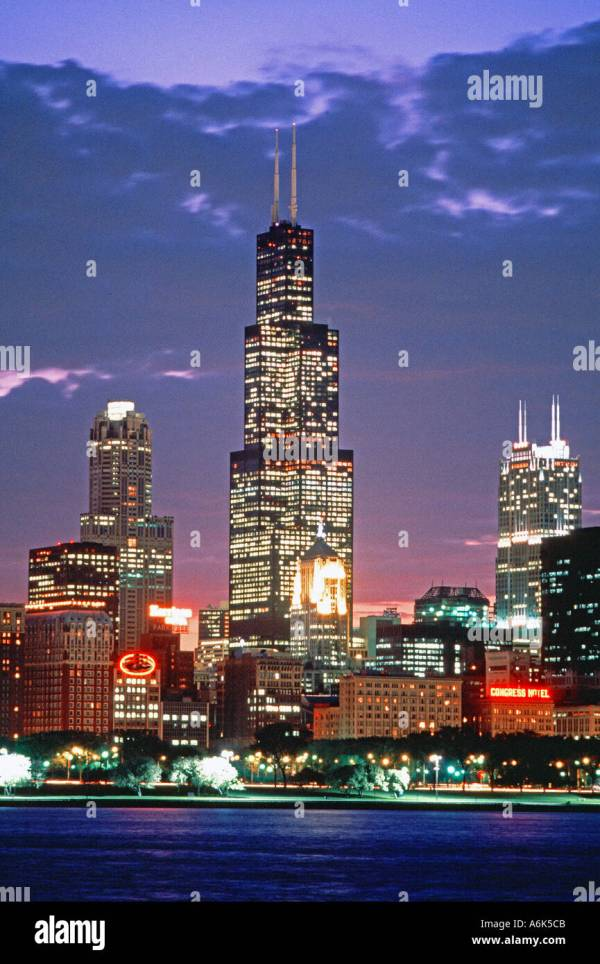 Chicago Il Usa Cityscape Night Of Downtown Business