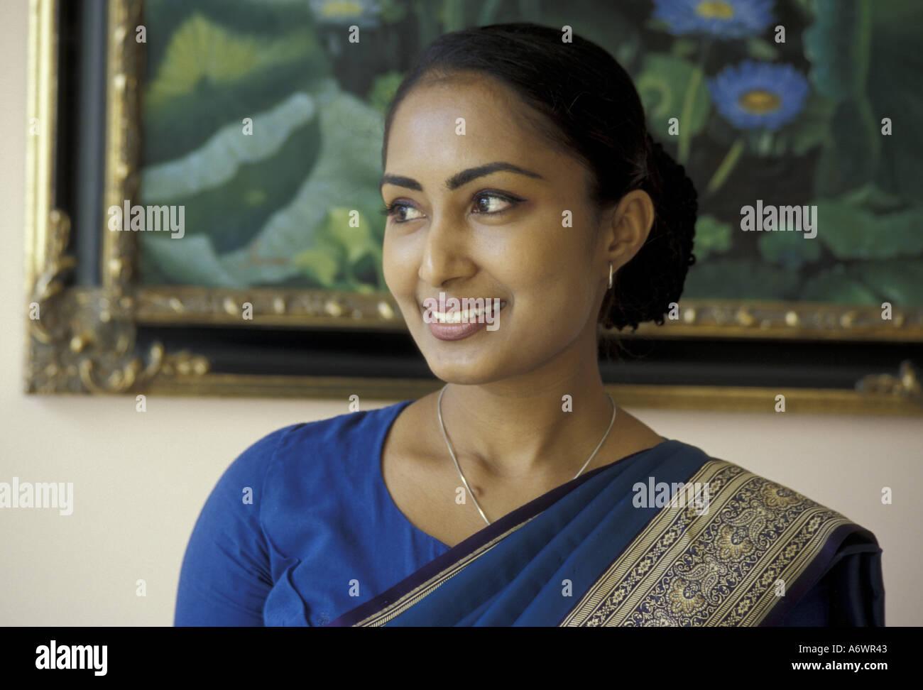 Asia Sri Lanka Colombo Sari Clad Sri Lankan Woman Mr