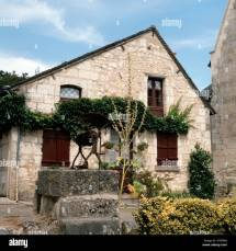Traditional Stone House With Water Crissay-sur-manse