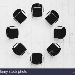 Office Chair Instructions Windsor With Arms Aerial View Of Empty Chairs In A Circle Stock Photo: 12528844 - Alamy