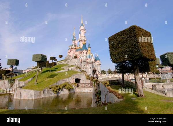 Euro Disney Stock & - Alamy