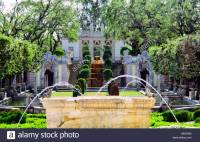 Fountain And Italianate Garden Of The Villa Vizcaya ...