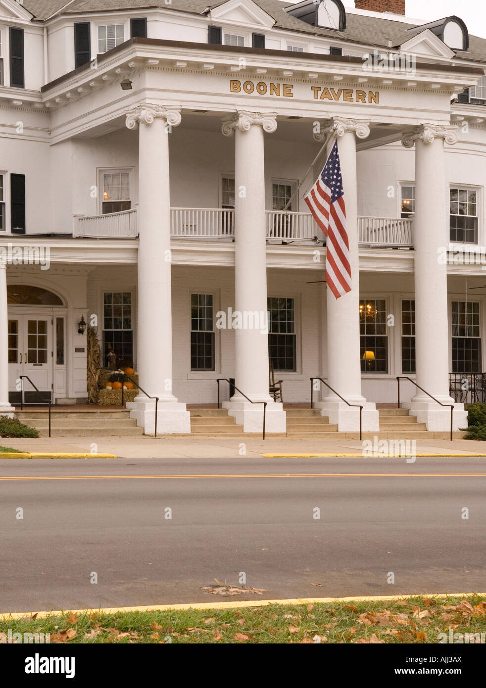 Boone Tavern Hotel And Restaurant In Berea Kentucky Usa