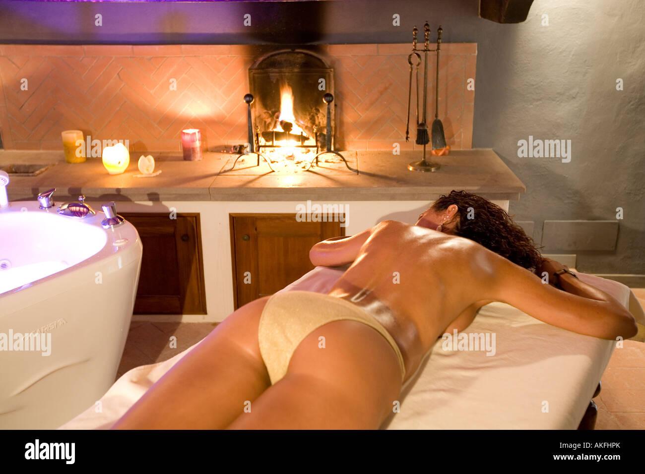 Massage room with fireplace Terme Villa Borri spa