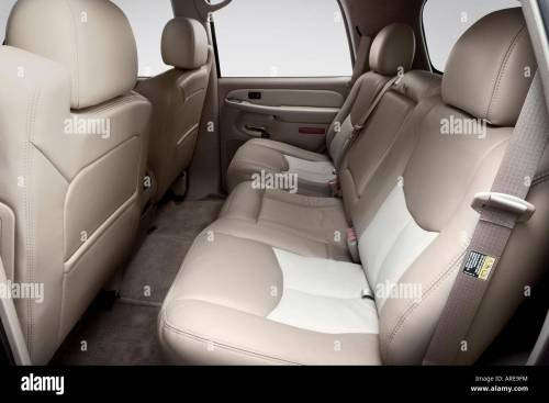 small resolution of 2006 gmc yukon denali in black rear seats