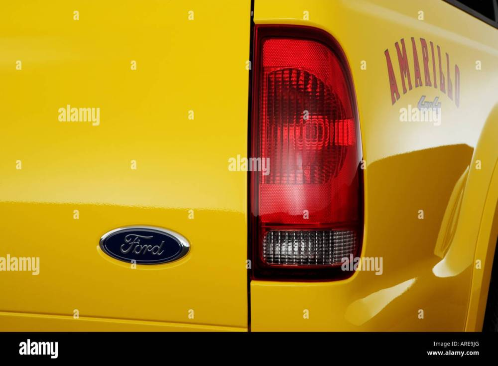 medium resolution of 2006 ford f 350 sd lariat amarillo in yellow tail light stock image