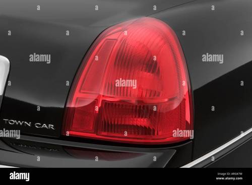 small resolution of 2007 lincoln town car signature l in black tail light