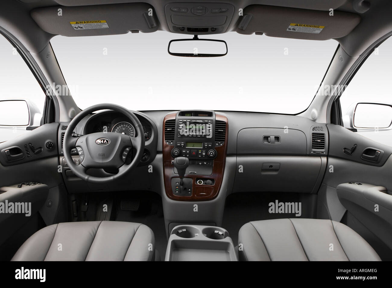 hight resolution of 2007 kia sedona ex in silver dashboard center console gear shifter view