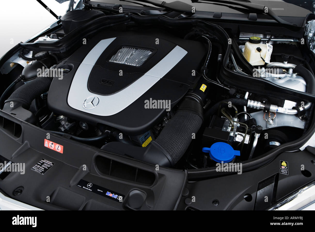 hight resolution of 2008 mercedes benz c class c300 in silver engine