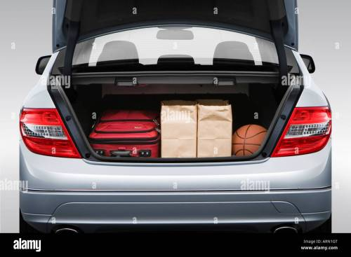 small resolution of 2008 mercedes benz c class c300 in silver trunk props