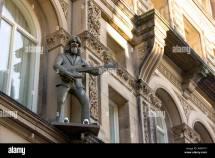 Beatles George Harrison Statue