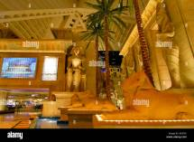 Palms Giant Monitor And Statues Of Tutankhamun In