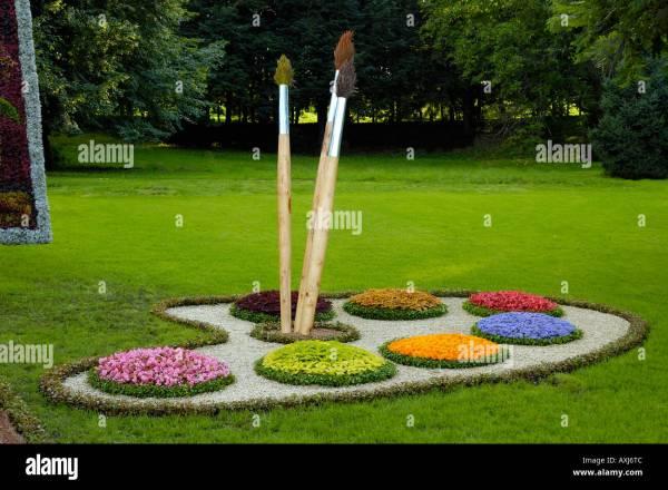 creative landscape gardening stock