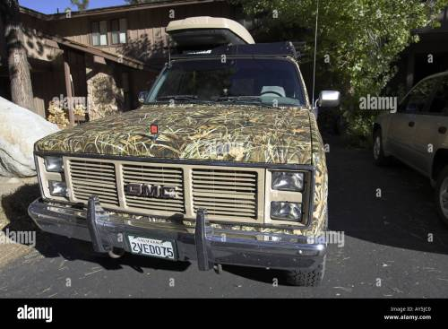 small resolution of gmc sierra classic 2500 suburban 4wd 1987 on a 3 4 ton chassis camouflaged with camo extreme max 4 hd