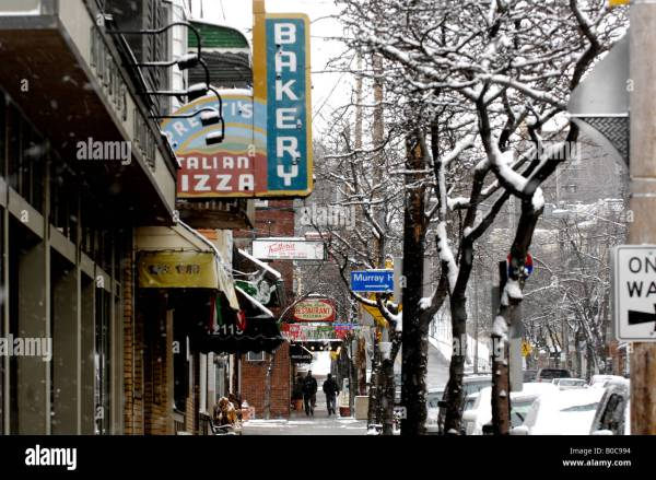 Mayfield Road Little Italy Cleveland Ohio Usa Stock