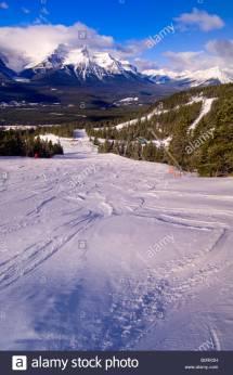 Lake Louise Banff Skiing Stock &