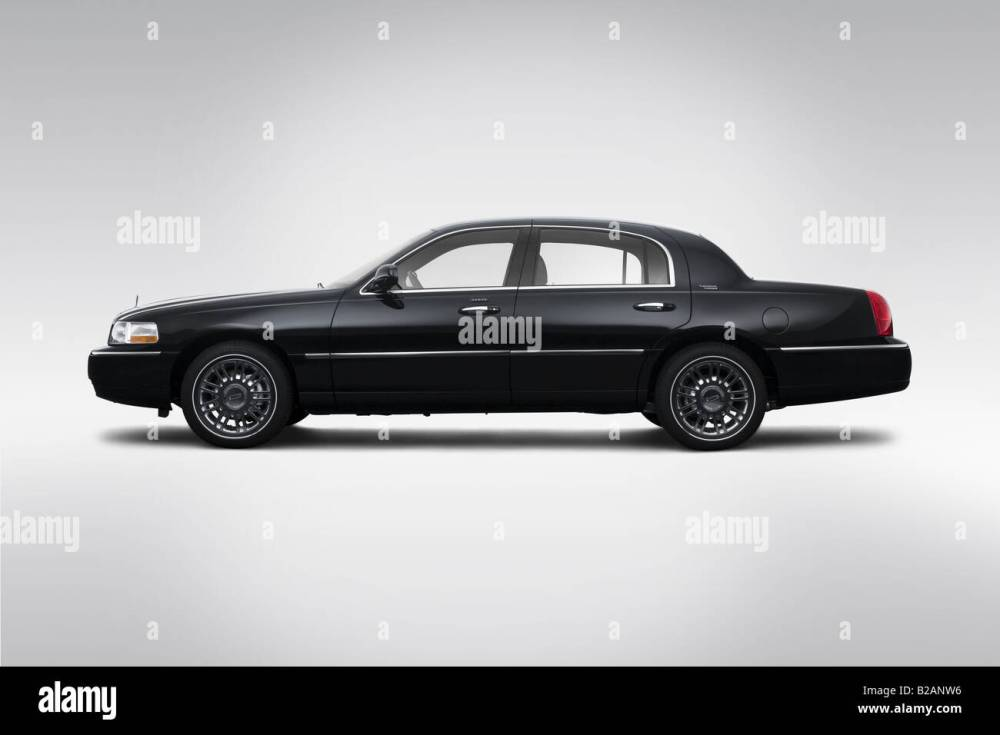 medium resolution of 2008 lincoln town car signature limited in black drivers side profile stock image