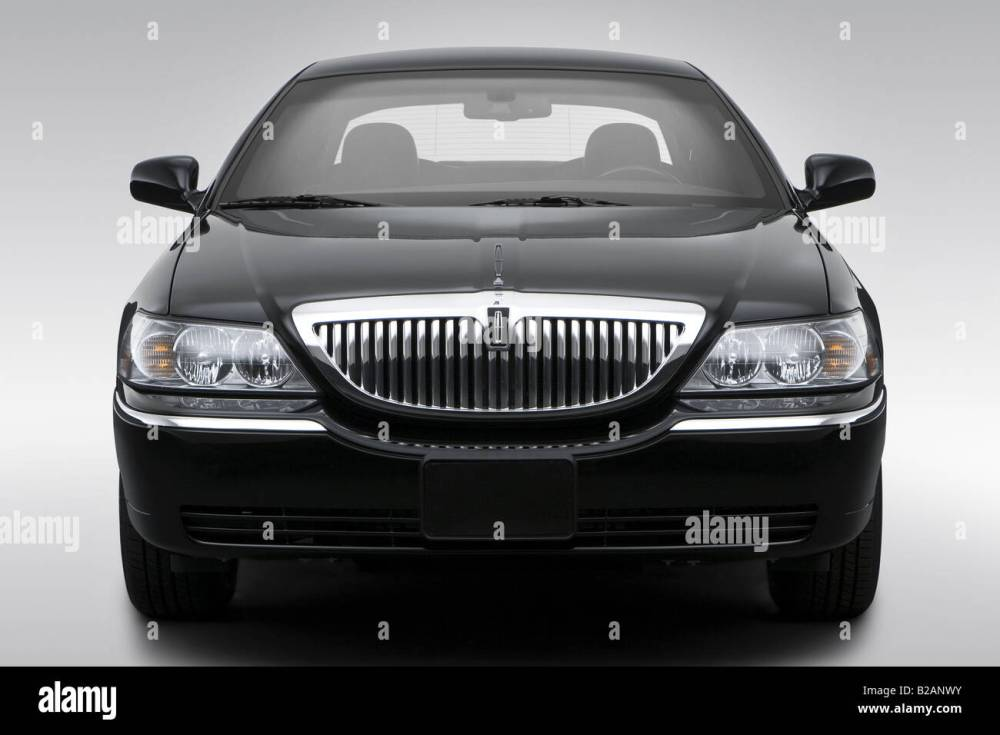 medium resolution of 2008 lincoln town car signature limited in black low wide front stock image