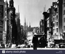 Victoria Street Black And White Stock & - Alamy