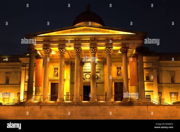 Front Entrance Colonade National Of Art Trafalgar Square Stock 18883786 - Alamy