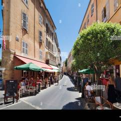 French Cafe Chairs Star Trek Chair For Sale Street Cafes On Rue D'italie In The Historic City Centre, Aix En Stock Photo: 19110170 - Alamy