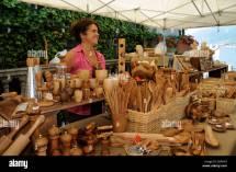 Selling Handmade Olive Wood Items Lakeside In Bellagio