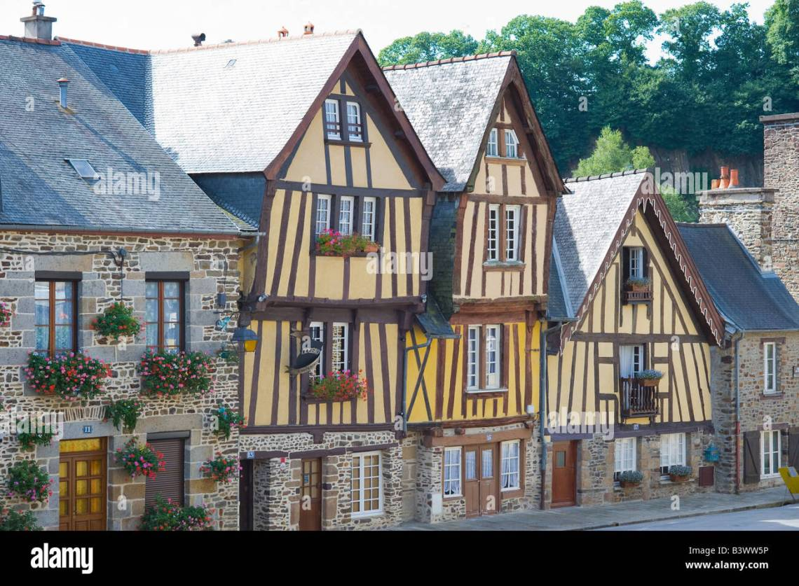 16th Century French Home - half-timbered-houses-16th-century-place-du-marchix-square-fougres-B3WW5P_Download 16th Century French Home - half-timbered-houses-16th-century-place-du-marchix-square-fougres-B3WW5P  Picture_92728.jpg