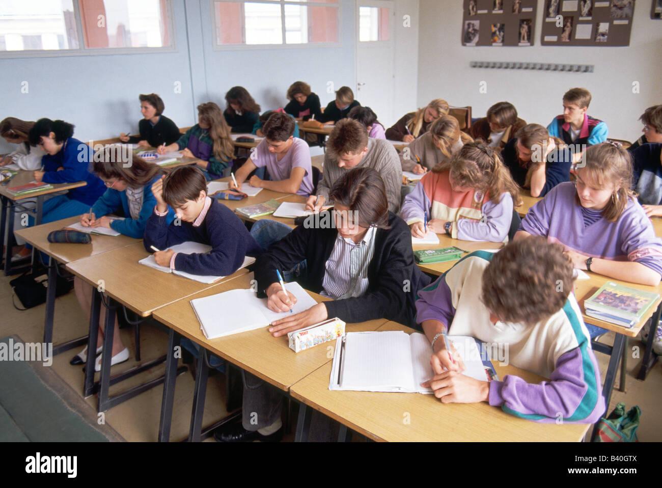 Teenage Boys Amp Girls In A French Public School Eu